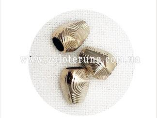 Для захисту шнура від деформації викоистовують - Наконечник пластиковий, колір срібло