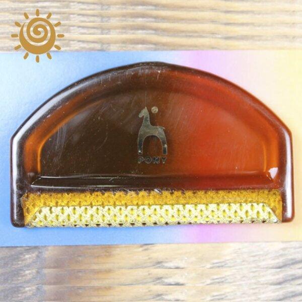 Щіточка для пілінгу з пластмасовим краєм 1