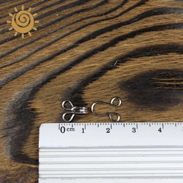 Гачок до одягу, 10 мм, колір нікель 2 gachok 12 nikel 1